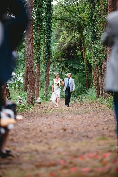 ceremonie laique romantique bois